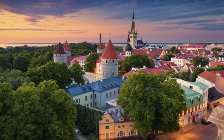 Tallinn City Sightseeing Hop On - Hop Off Tour