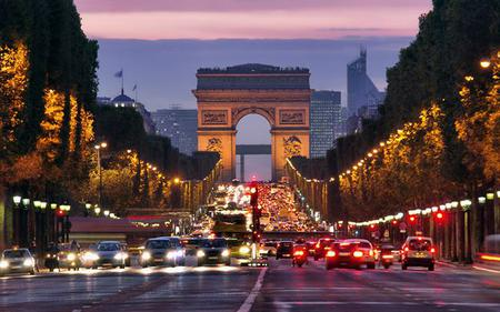 Seine Cruise, Illuminations and Dinner on the Champs-Elysees, Paris