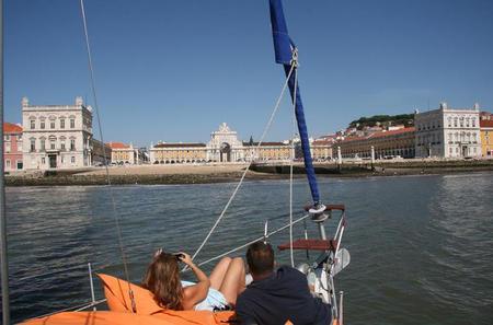 2 Hour Lisbon Sailing Tour