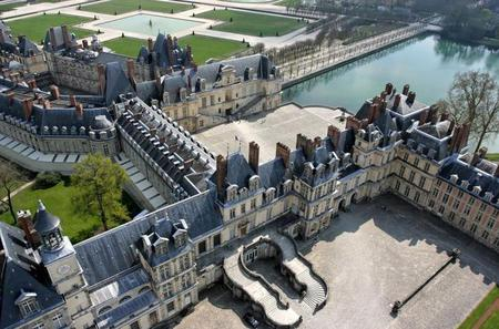 Paris Day Trip to Fontainebleau and Barbizon with Private Driver and Guide