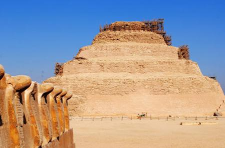 Private Day Tour to Saqqara, Memphis and Giza from Cairo with Guide