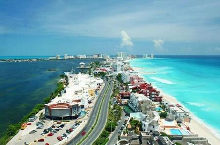 Private Cancun Shopping and City Tour
