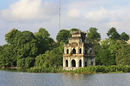 Private Half-Day Hanoi Walking Tour Including Old Quarter Streets with Bach Ma Temple and Bia Hoi Corner