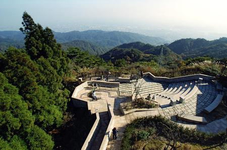 Private Day Trip to the Kobe Mountains, Gardens and Hot Springs from Osaka