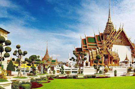 Half-Day Grand Palace Tour Including Emerald Buddha from Bangkok