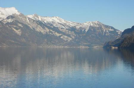 Half-day Private Tour to Waterfalls, Lake Thun and Lake Brienz from Interlaken