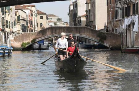 Learn to Row a Venetian Gondola