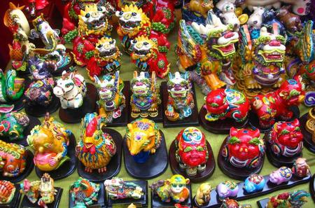 Private Half Day Shanghai Shopping Tour With Local Shopping Guru