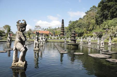 Royal Karangasem Heritage Tour: Puri Agung Karangasem, Sebetan Village and Tirta Gangga Water Palace