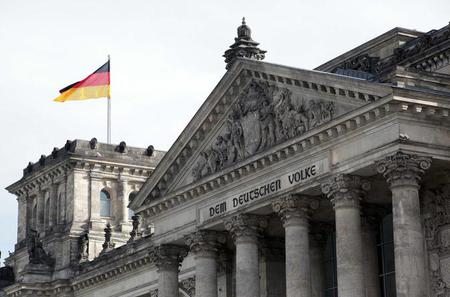 Private Berlin Custom Half-Day Tour with Private Driver and Guide