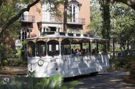 Historic On and Off Trolley Tour of Savannah
