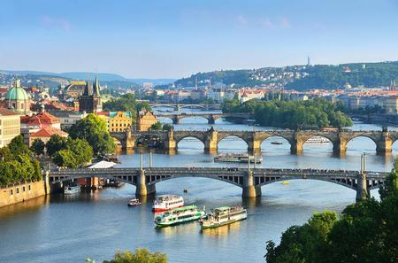 Prague Buffer Lunch Cruise with Transport Included