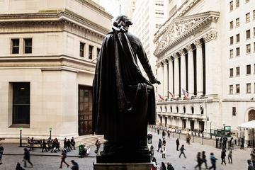 Lower Manhattan Tour: Wall Street and 911 Memorial