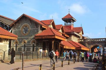 Mumbai Evening Tour Including The Bandstand Promenade and Carter Road