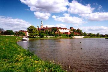 Krakow City Package: Wawel Castle Guided Tour with Vistula River Cruise