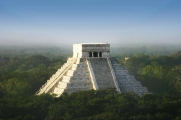 Viator Exclusive: Chichen Itza at Your Own Pace Plus Access to Hospitality Suite