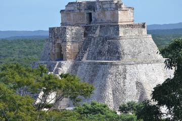 Private Tour to Uxmal with Access to Hacienda Uxmal and Lodge