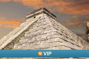 Viator VIP: Chichen Itza Tour and Light and Sound Show Including Lunch and Luxury Transport