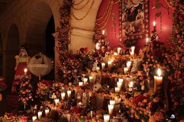 Day of the Dead in Oaxaca: Day and Night Tour from Huatulco