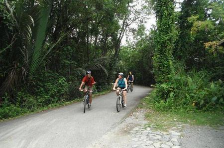 Singapore Bike Adventure around Pulau Ubin