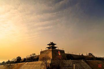 Xi'an Day Tour: Ancient City Wall, Shaanxi History Museum, Bell Tower and Drum Tower and Muslims Quarter Bus Tour