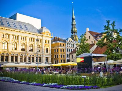Riga Old Town and Art Nouveau Private Walking Excursion