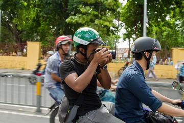 Half-Day Ho Chi Minh City Shopping Tour on Motorbike