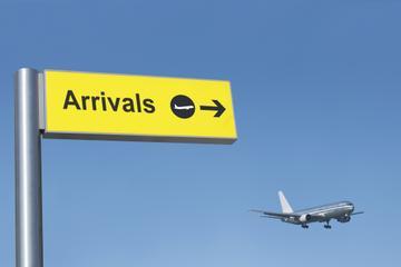 Private Arrival Transfer: Monsenor Óscar Arnulfo Romero International Airport to San Salvador Hotels