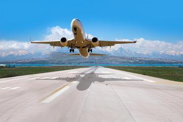 Shared Departure Transfer: San Salvador Hotels to Monsenor Óscar Arnulfo Romero International Airport
