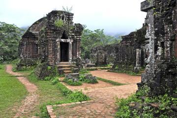 Private Tour: 4-Day UNESCO World Heritage Sites in Hoi An and Hue