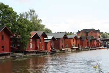 Shore Excursion: Best of Helsinki and Porvoo Town Group Tour