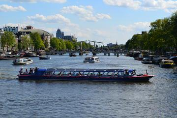 Amsterdam City Canal Cruise and Admission Ticket to the Portrait Gallery Exhibition at the Hermitage Museum