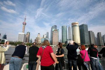 Private Shanghai Day Tour: Shanghai Museum, Yuyuan Garden,The Bund and Huangpu River Cruise