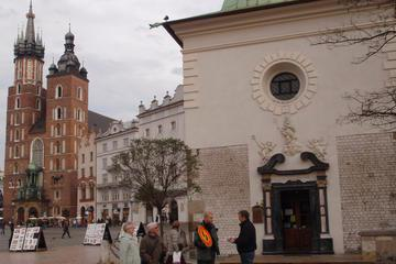 Small-Group Old Town Walking Tour of Krakow
