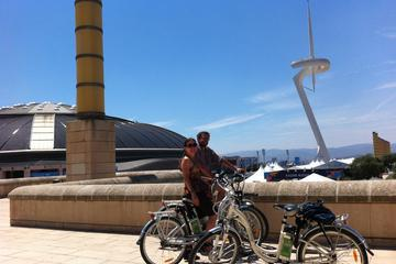 Barcelona Private Electric Bike Tour: from Montjuic Hill to Barceloneta