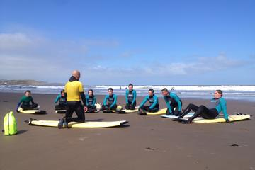 2-Hour Open Group Surfing Lesson in Scarborough