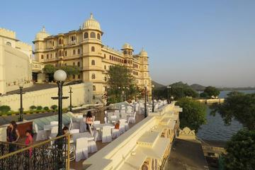 Private Udaipur City Tour including Boat Ride on Lake Pichola