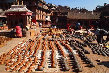4-Day Sightseeing Tour from Kathmandu with Trips to Patan, Bhaktapur and Nagarkot