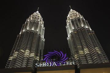 Private Tour: Cultural Night of Kuala Lumpur with Dinner and Show