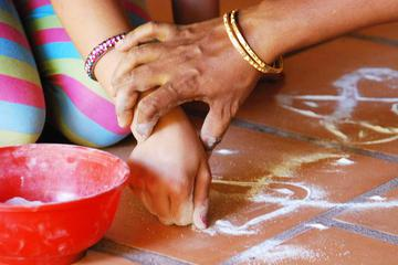 Traditional Kolam Class in Pondicherry