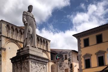Private Bike Tour from Lucca with Visit to Pietrasanta and Light Lunch