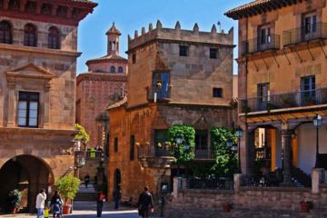 Pueblo Español Private Tour in Barcelona