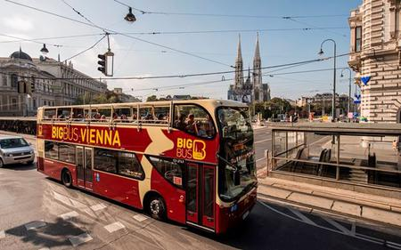 Big Bus Vienna: Hop-On, Hop-Off– Sightseeing Tour