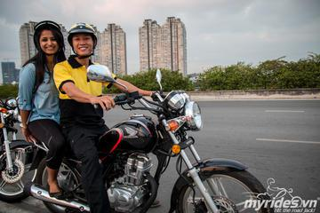 Ho Chi Minh City Half-Day History and Food Tour by Motorbike