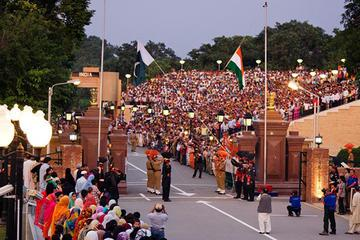 Day Tour of Beating Retreat Ceremony at Wagah Border including Dinner from Amritsar