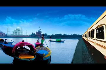 Private Day Trip By Train: Taj Mahal, Agra Fort and Fatehpur Sikri from Delhi