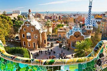 Barcelona Highlights Day Tour with Skip-The-Line Access to Park Güell and Sagrada Familia
