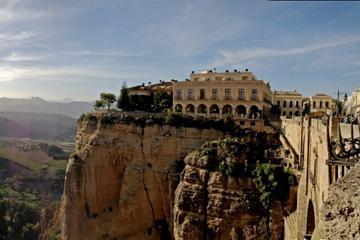 Private Seville Transfer to Granada Including Visit to Ronda