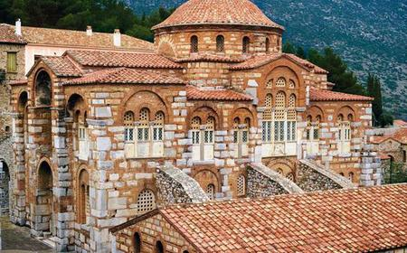 From Athens: Day Tour of Delphi and Hosios Loukas Monastery