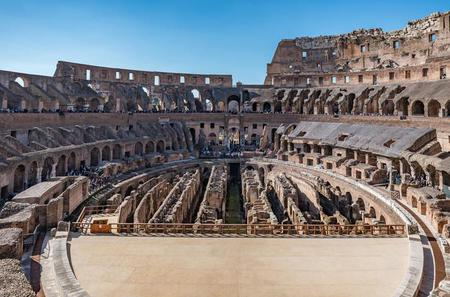 In-Depth Colosseum Tour with Roman Forum and Palatine Hill